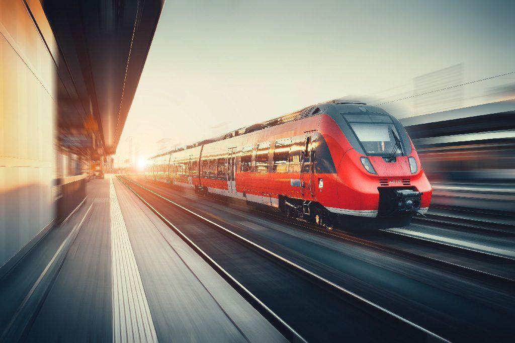Viešieji konkursai keleivių vežimui traukiniais turėtų atpiginti šias paslaugas ir pagerinti jų kokybę